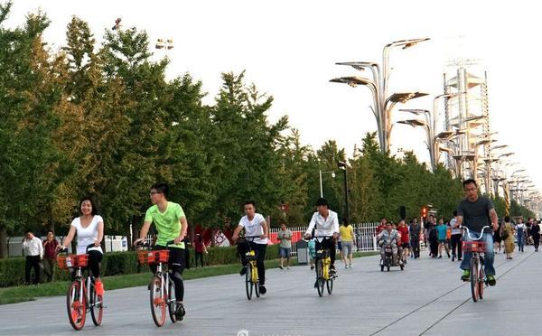 北京市民体验骑行乐趣