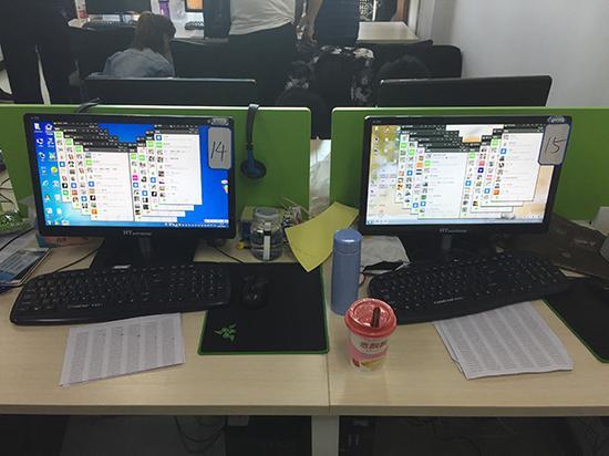 诈骗团伙成员一人往往拥有多个不同网名的聊天账号,用来诱骗网友。澎湃新闻记者 王健 图