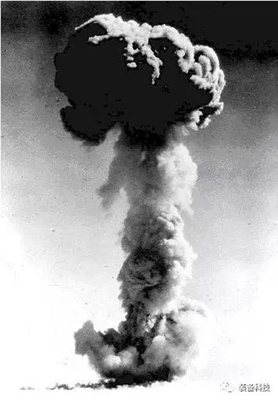 第一颗原枪弹爆炸胜利后升起的蘑菇云。 本文图均为 微信