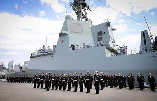 """澳大利亚海军日前宣布新一代导弹驱逐舰、也是最大最先进的""""霍巴特号""""(HMAS Hobart)正式加入现役。"""