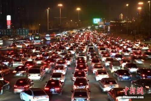 材料图:京港澳高速公路。 中新社记者 翟羽佳 摄