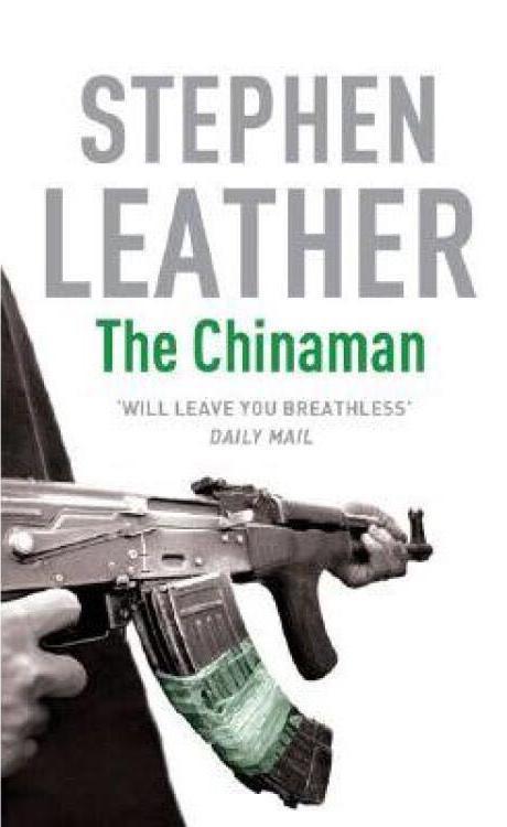"""《英伦对决》改编自英国作家斯蒂芬·莱瑟所著小说《中国佬》。该书书名""""CHINAMAN""""在英语里是对中国人歧视性词语。但此处作者却借用这一贬义词强调主人公面对不公的坚韧不拔。"""
