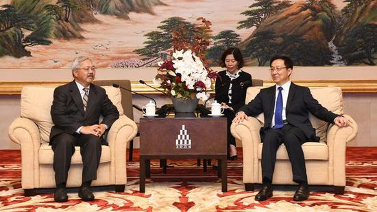 中共中央政治局委员、上海市委书记韩正今天上午(10月9日)会见了美国旧金山市市长李孟贤一行。