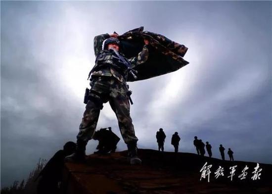 《反恐英雄王刚》 摄影/刘海山