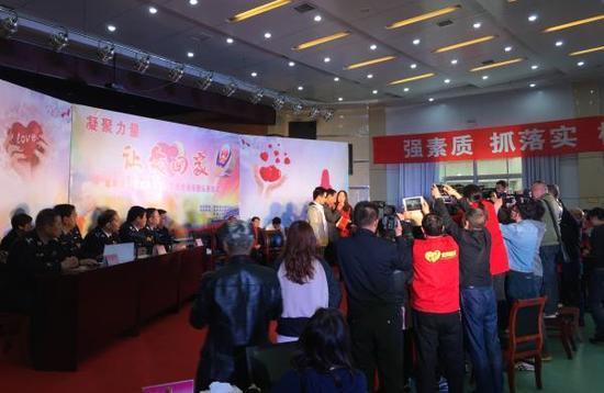 陕西咸阳警方侦破的拐卖儿童积案受到诸多媒体关注。澎湃新闻记者 王健 摄