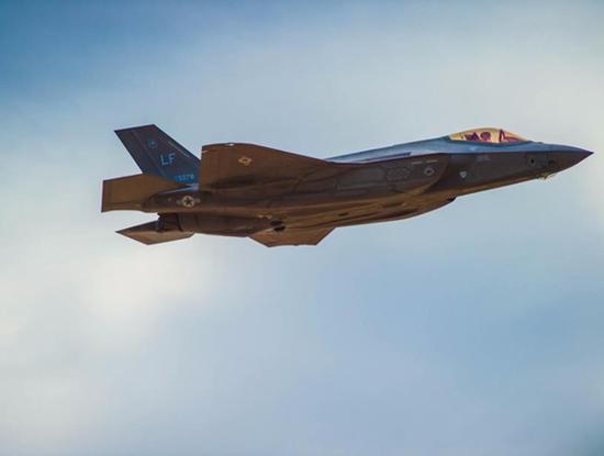 美制F-35型隐形战斗机