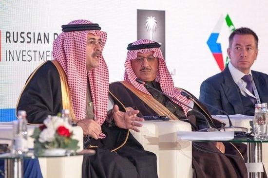 ▲日前,在沙特国王初次会见俄罗斯时代,沙特国度石油公司Saudi Aramco(沙特阿美公司)与俄罗斯企业签署了五项互助体谅备忘录,笼罩动力、制造等范畴。