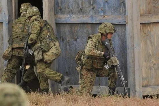 日本自卫队士兵 资料图