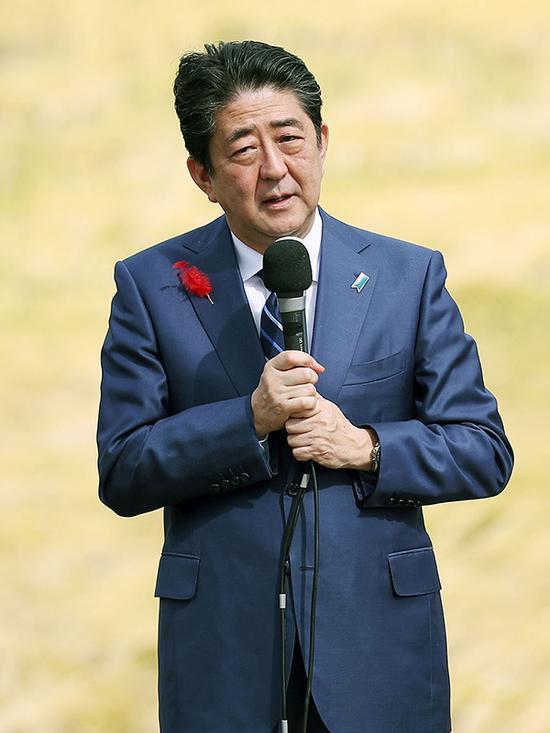 当地时间2017年10月10日,日本福岛,日本首相安倍晋三举行竞选集会。 视觉中国 图