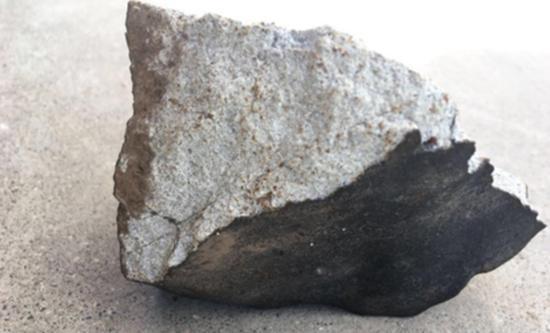 青海湟中发现的眼见陨石。 本文图均为 封面新闻 图