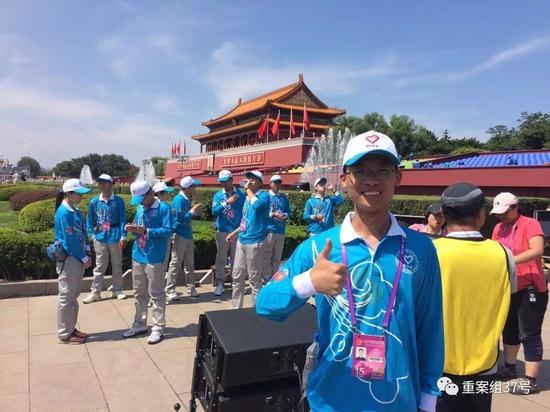 """▲从事公益志愿服务5年的何绍森已成为名副其实的""""公益达人""""。    受访者供图"""