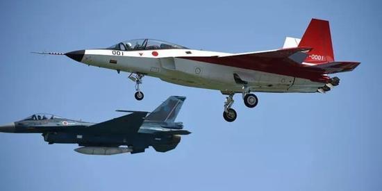 """▲日本X-2""""心神""""隐身验证机(近)首飞资料图"""