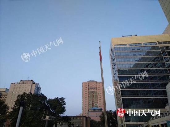 10月23日7时,北京天空晴朗。