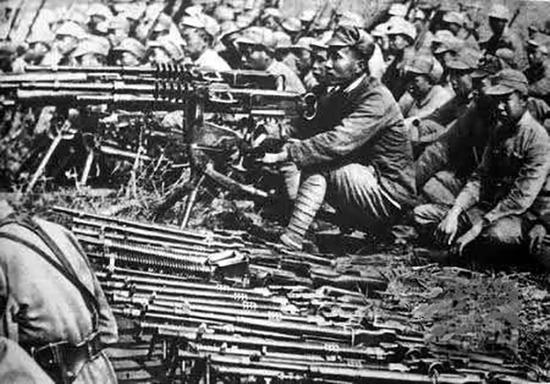八路军缴获的轻重机枪