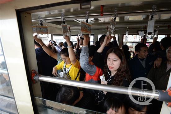 长江索道成了外地游客必游的景点