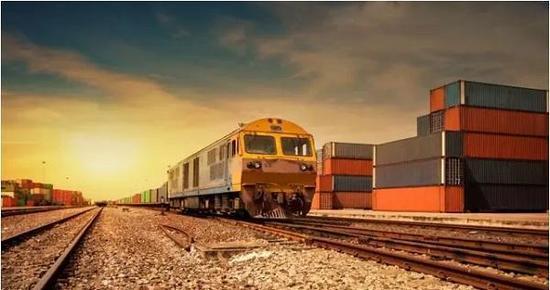 铁总所属18个铁路局(公司)的公司制改革正在有序推进。