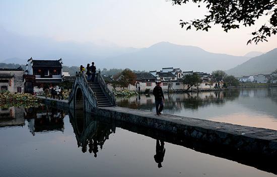 安徽宏村。东方IC 资料
