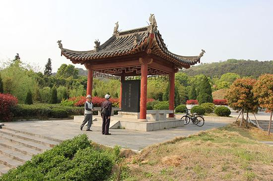 湖北武汉,钟子期墓。钟子期墓是整个知音传说历史文化传承的唯一文物载体。 视觉中国 图