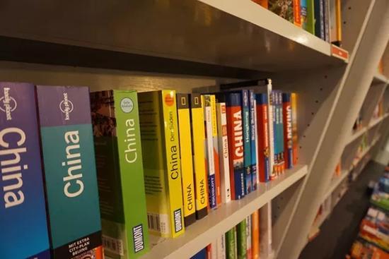 胡根杜贝尔书店(本文图片 出版人杂志微信公众号)