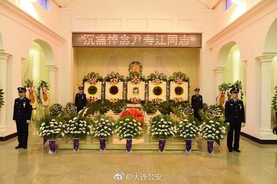 追悼会现场 本文图片均来自微博@大连公安