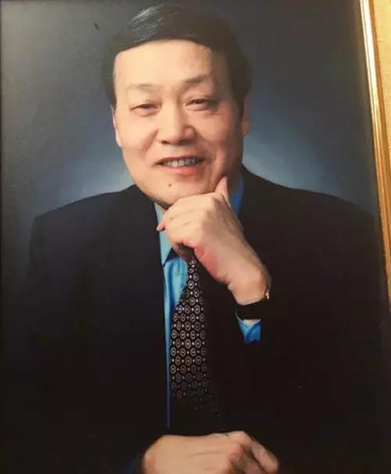 """卢炬甫教授生前照片。  """"厦门日报""""微信公众号 资料图"""