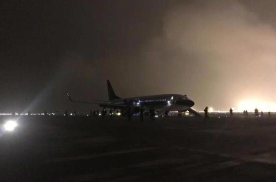 南航CZ6406航班上151名旅客平安降落桂林机场。  @广州日报 图
