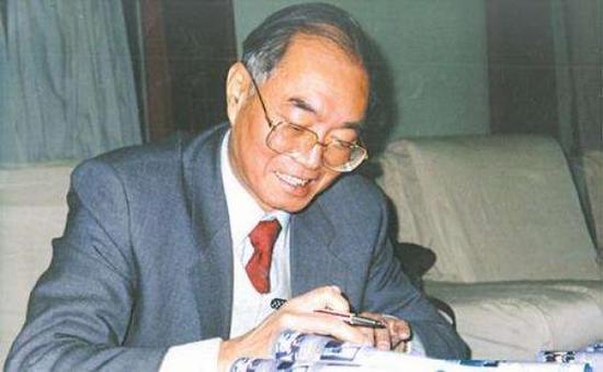 84岁著名经济学家萧灼基逝世:为北大经济学院教授 他培养的学生中有一位国家总理