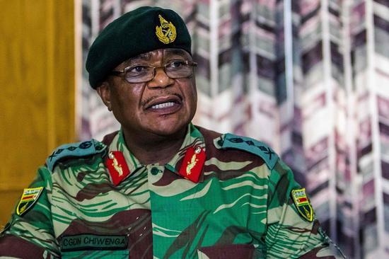 津巴布韦国防军司令康斯坦丁·古韦亚·奇文加 图片来源:视觉中国