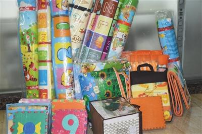 本次儿童地垫比较实验的35种在售产品。
