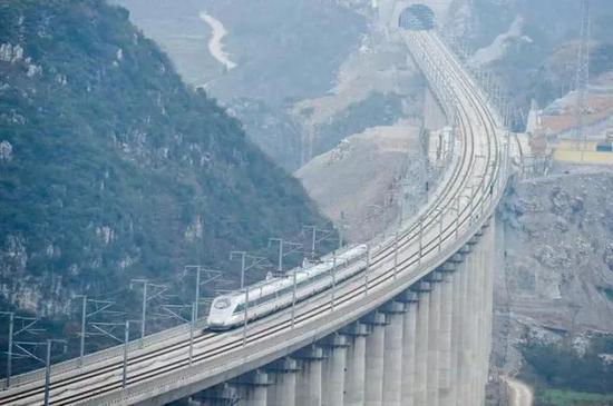 沪昆高铁贵州段/资料图