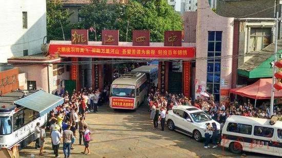 湖南省桃江县第四中学,今年8月该校高三364班爆发大面积肺结核。图片来自网络