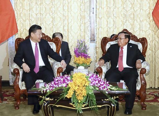 11月13日,中共中央总书记、国家主席习近平在万象国家主席府同老挝人民革命党中央委员会总书记、国家主席本扬举行谈判。新华社记者 兰红光 摄