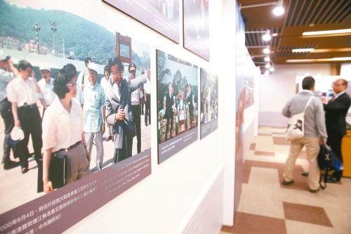 图为两岸开放交流30年影像展。 联合报资料图片