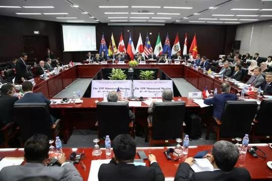 ▲11月9日,11个TPP成员国代表在越南举行部长级集会。