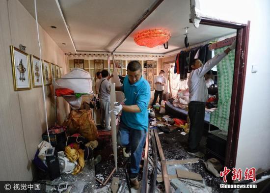 资料图:北京周全整治拆除群租房。