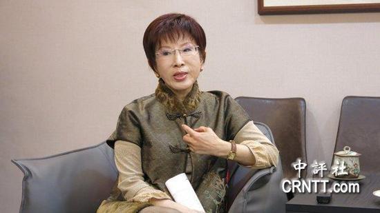 22日,洪秀柱就此次大陆行接受采访。(图片来源:香港中评社)