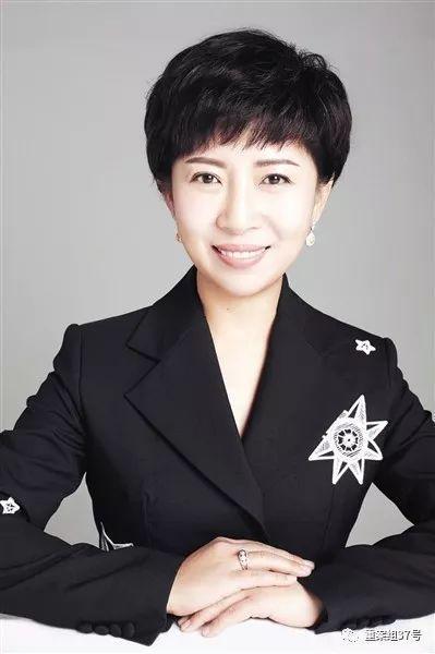 史燕来,红黄蓝教育机构首创人、总裁。
