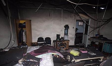 记者进入大兴火灾公寓内部 现场触目惊心