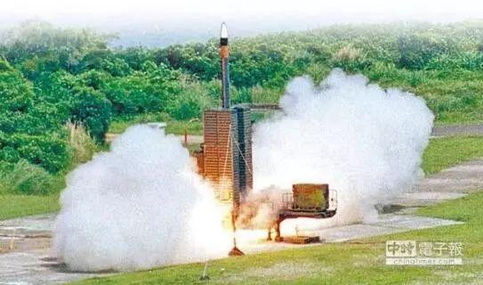 ▲天弓三型导弹