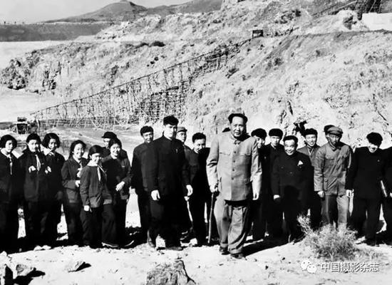 毛泽东视察官厅水库,1954年 侯波 摄
