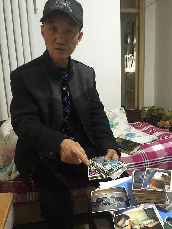 张斌协助破获的案件中,大多都会自己拍照固定证据。澎湃新闻记者 陈雷柱 图