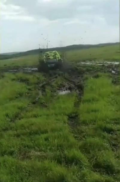 内蒙古多伦县多车碾压草原 仍有一车逃避处罚(图)|内蒙古