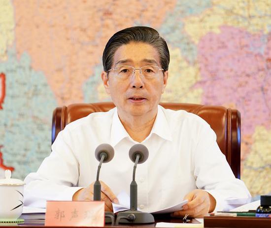 7月11日,中共中央政治局委员、中央政法委书记郭声琨主持召开中央政法委全体会议并讲话。 摄影 郝帆