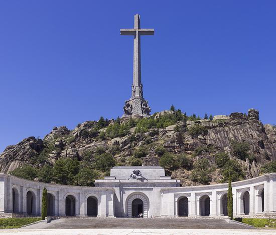 西班牙内阁通过法案 移走法西斯独裁者弗朗哥遗骸