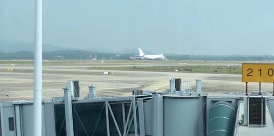南昌机场货机故障阻塞跑道航班大面积延误或取消