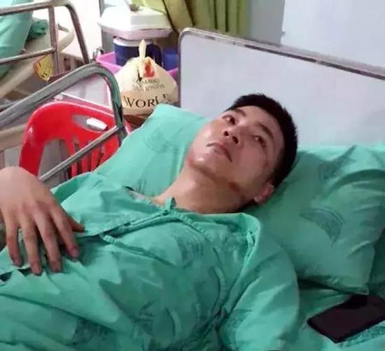 △张皓峰在医院照片由其朋友提供