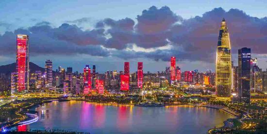 中央这份重磅文件刷屏 18处文字与香港有关|一国两制