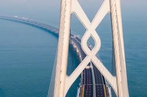 ▲港珠澳大橋是中國進一步深化改革、促進經濟增長的重要戰略項目。(英國《金融時報》網站)