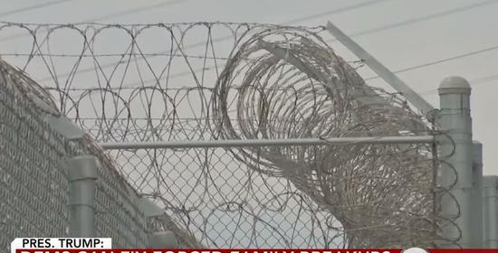 边境铁丝网 视频截图
