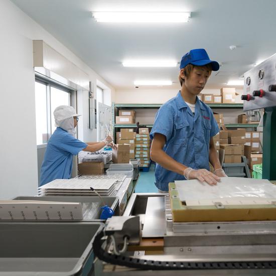 慎兴制刷位于大阪的工厂/图自《华尔街日报》